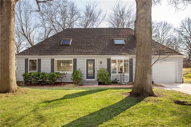 5511 W 101st Street Property Photo