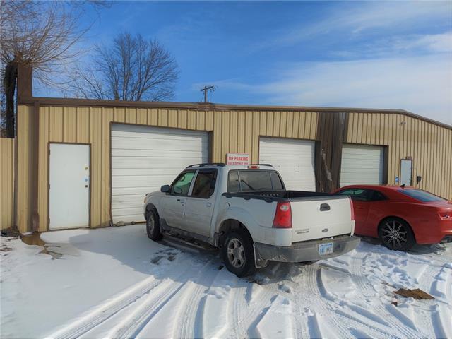 8105 Hickman Mills Drive Property Photo