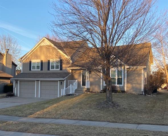 9741 N Ash Avenue Property Photo