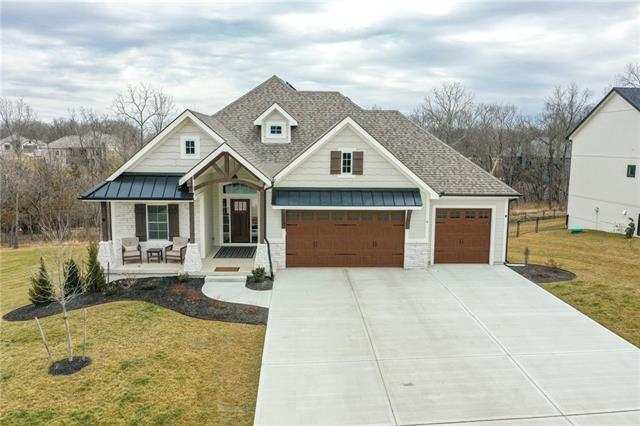 6 Black Hawk Drive Property Photo - Lake Winnebago, MO real estate listing