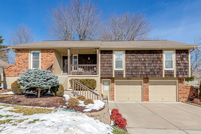 1010 SE 5th Street Property Photo - Lee's Summit, MO real estate listing