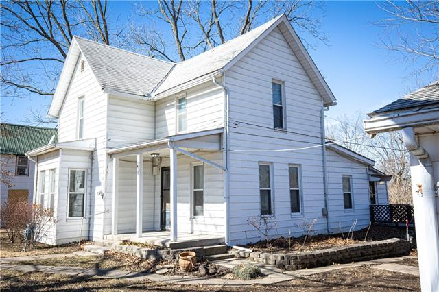 418 Locust Street Property Photo - Mound City, KS real estate listing