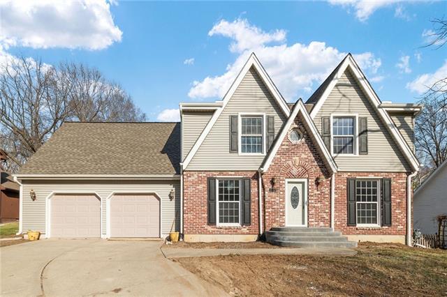 1005 Blueberry Lane Property Photo - Liberty, MO real estate listing