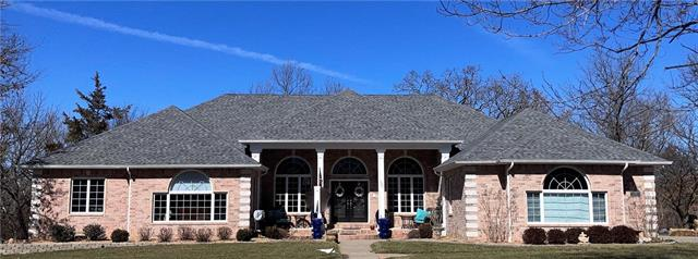 324 Deer Run Drive Property Photo - Nevada, MO real estate listing