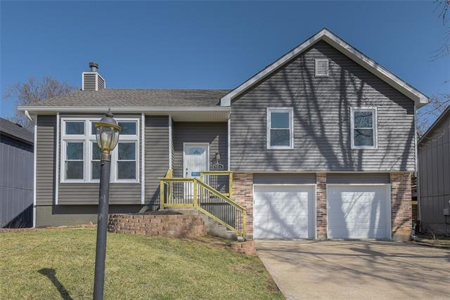 9716 W 51st Place Property Photo - Merriam, KS real estate listing