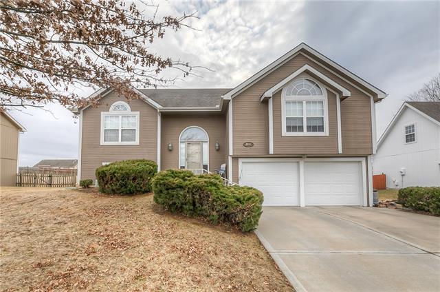 2217 Magnolia Drive Property Photo - Leavenworth, KS real estate listing
