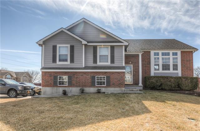 1215 Wildwood Street Property Photo - Leavenworth, KS real estate listing