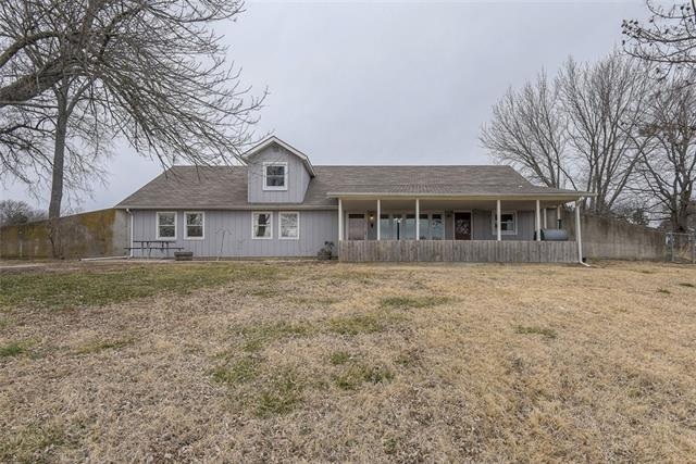 1067 Haskell Terrace Property Photo - Pomona, KS real estate listing