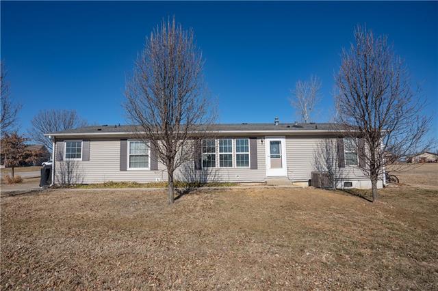 12319 N Pomona Avenue Property Photo - Kansas City, MO real estate listing