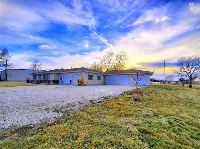 807 N Maple Street Property Photo - Garnett, KS real estate listing