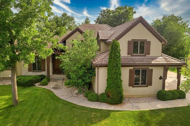 9751 Sunset Circle Property Photo - Lenexa, KS real estate listing