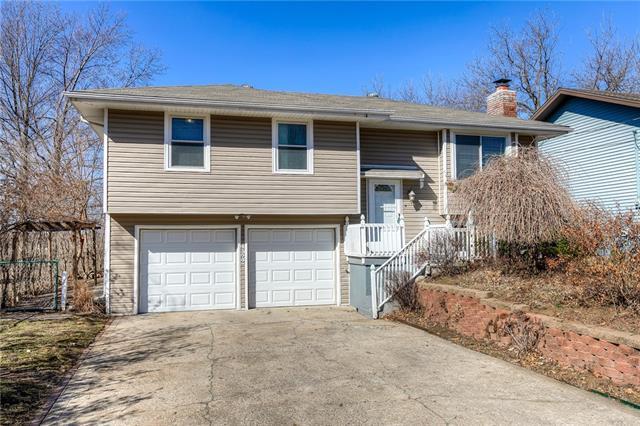 Brookwood Heights Real Estate Listings Main Image