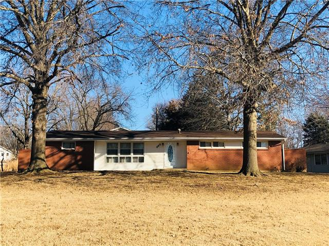 305 Greentree Road Property Photo - Atchison, KS real estate listing