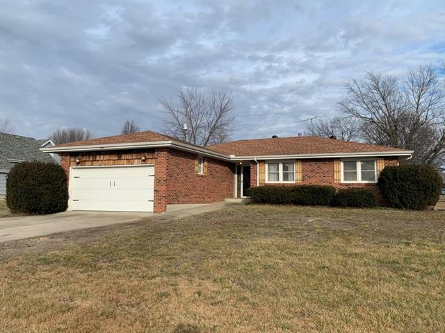 1403 S Jackson Street Property Photo - El Dorado Springs, MO real estate listing