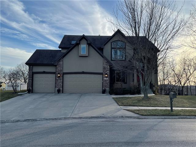 5116 S Brittany Drive Property Photo - Blue Springs, MO real estate listing