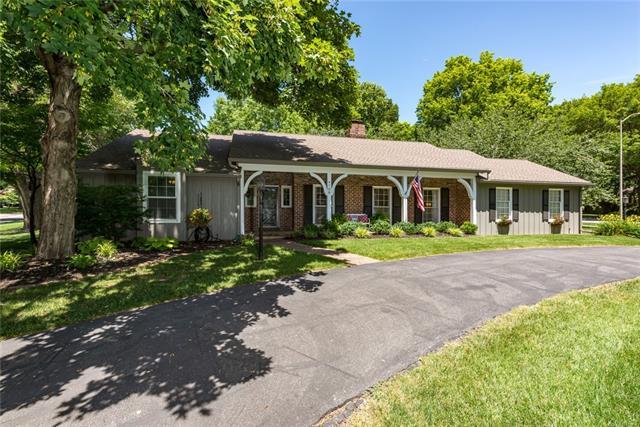 4708 W 81st Street Property Photo - Prairie Village, KS real estate listing
