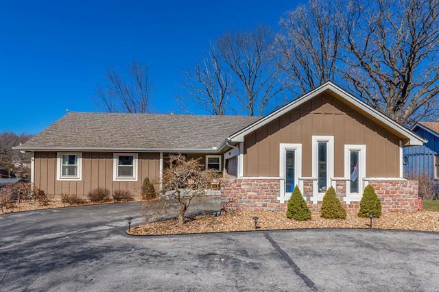 10008 Carrie Lane Property Photo - Merriam, KS real estate listing