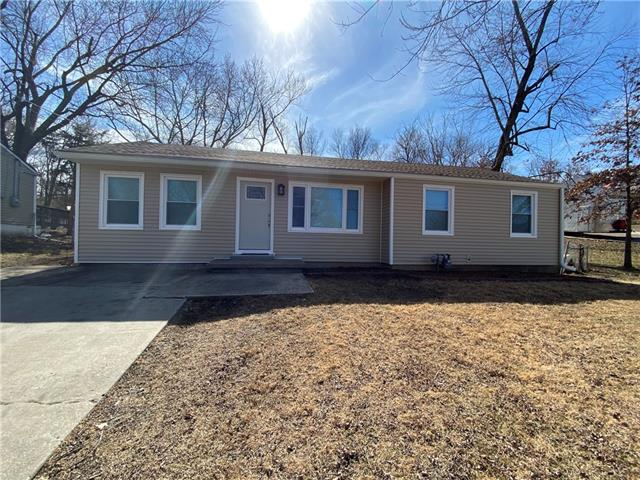 7907 E 57th Street Property Photo - Kansas City, MO real estate listing