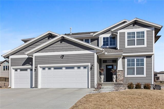 12585 S Sunray Drive Property Photo - Olathe, KS real estate listing
