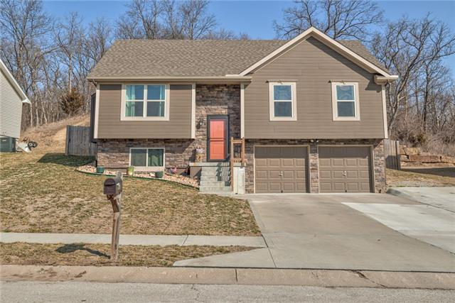 2608 NW 69th Place Property Photo - Kansas City, MO real estate listing