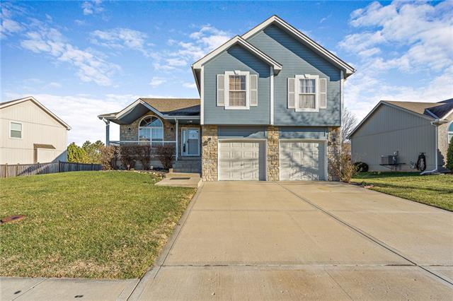 909 Crestridge Drive Property Photo