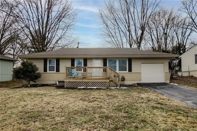 5227 NE 39th Street Property Photo - Kansas City, MO real estate listing