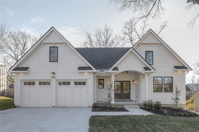 3915 W 74 Terrace Property Photo - Prairie Village, KS real estate listing