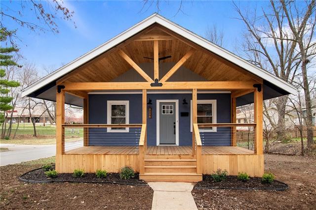 4546 W 50th Street Property Photo - Roeland Park, KS real estate listing