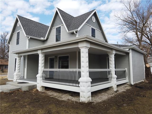245 W 5th Avenue Property Photo - Garnett, KS real estate listing
