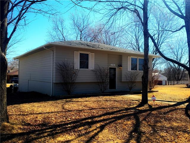 1701 S Jackson Street Property Photo - El Dorado Springs, MO real estate listing