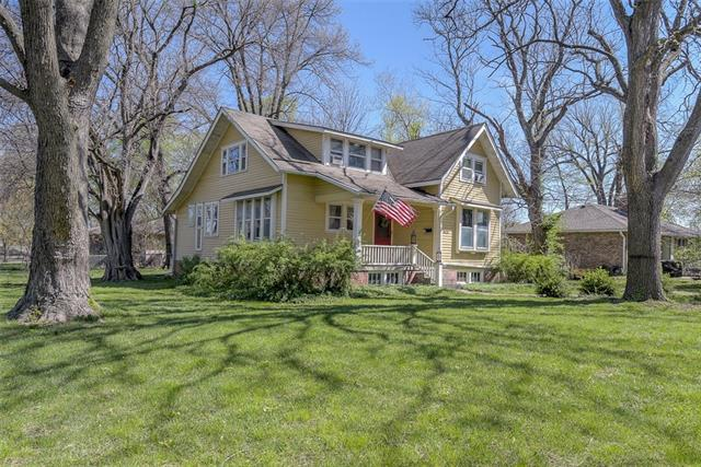 8620 W 80TH Street Property Photo - Overland Park, KS real estate listing