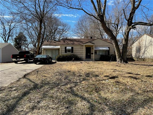 8630 JAMES A REED Road Property Photo - Raytown, MO real estate listing