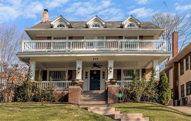 424 Huntington Road Property Photo