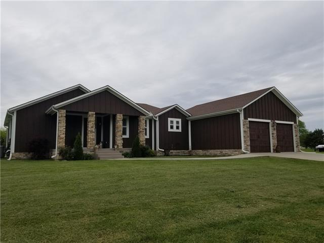 430 Sunset View Drive Property Photo - Butler, MO real estate listing