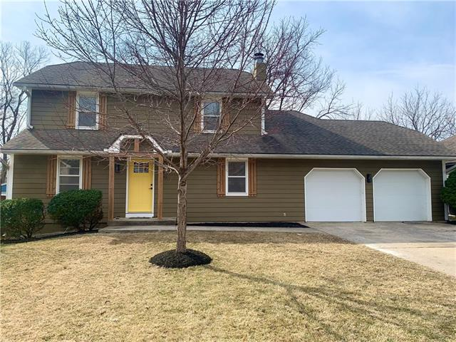 1003 SE 7th Street Property Photo - Lee's Summit, MO real estate listing