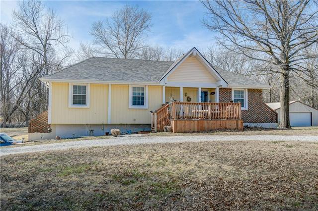 7657 Copenhaver Road Property Photo - Bates City, MO real estate listing