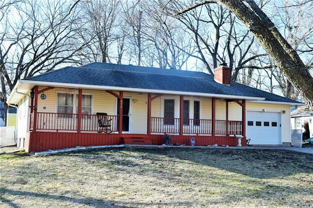 816 Delaware Street Property Photo - Oskaloosa, KS real estate listing