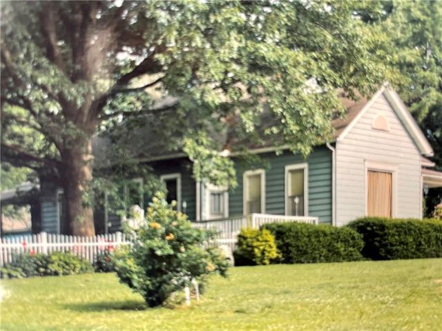 2304 Maple Avenue Property Photo - Leavenworth, KS real estate listing