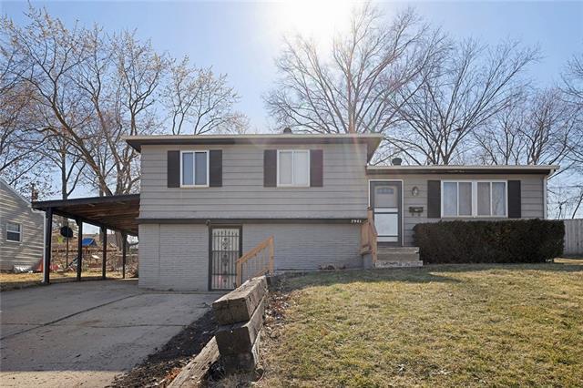 7941 NE 55th Street Property Photo - Kansas City, MO real estate listing