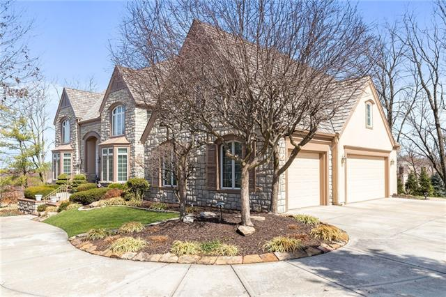 11416 Manor Road Property Photo - Leawood, KS real estate listing