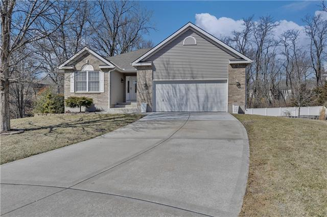 5054 NW Woodside Court Property Photo - Riverside, MO real estate listing