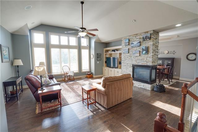 4338 N Jarboe Court Property Photo - Kansas City, MO real estate listing