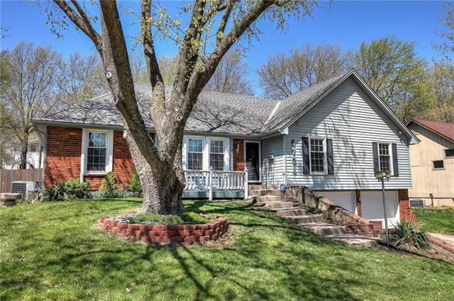 6708 N Garfield Avenue Property Photo - Gladstone, MO real estate listing