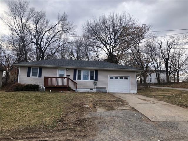 210 W Oak Street Property Photo - Warrensburg, MO real estate listing