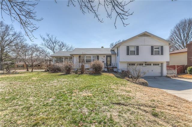 4015 E Red Bridge Road Property Photo - Kansas City, MO real estate listing