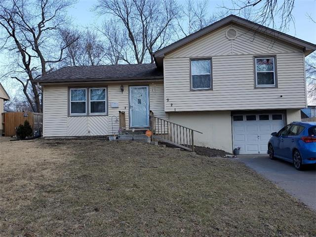 921 Colbern Drive Property Photo - Belton, MO real estate listing