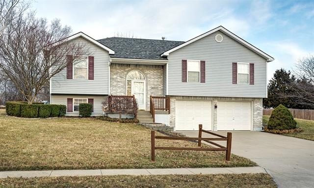 1307 Russell Road Property Photo - Pleasant Hill, MO real estate listing