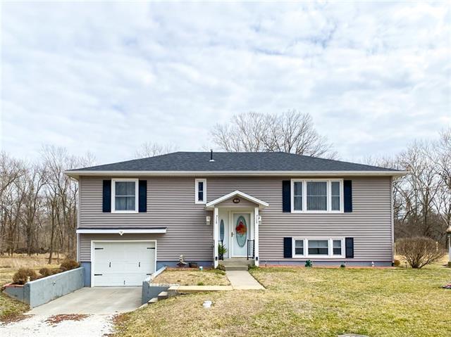 119 Willa Lane Property Photo - Windsor, MO real estate listing