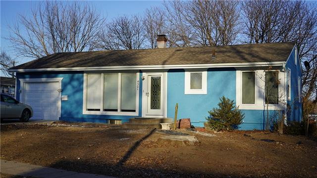 4301 James Avenue Property Photo