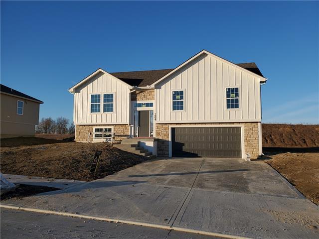 1106 NW 3rd Street Property Photo - Oak Grove, MO real estate listing